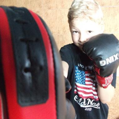 Boks -Trening personalny uroczego 6-letniego Hubercika_5