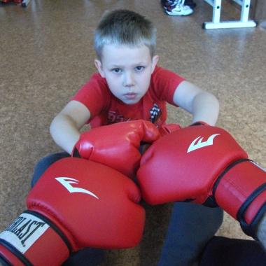Wszechstronny mieszany trening dzieci z osobami doroslymi_11