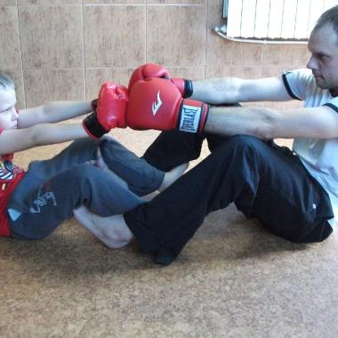 Wszechstronny mieszany trening dzieci z osobami doroslymi_6