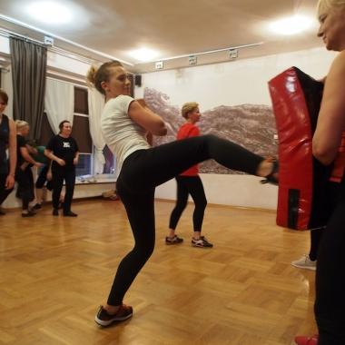 Kurs samoobrony dla kobiet w Rędzinach - Trening Personalny, Trener personalny Tomasz Boral_12