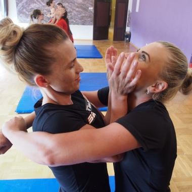 Kurs samoobrony dla kobiet w Rędzinach - Trening Personalny, Trener personalny Tomasz Boral_3