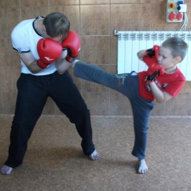 Wszechstronny mieszany trening dzieci z osobami doroslymi_10