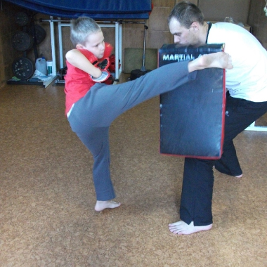 Wszechstronny mieszany trening dzieci z osobami doroslymi_5