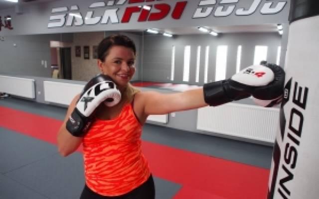 Trening personalny w rękawicach bokserskich